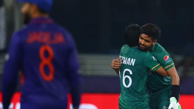 Pakistan hammer India at T20 World Cup