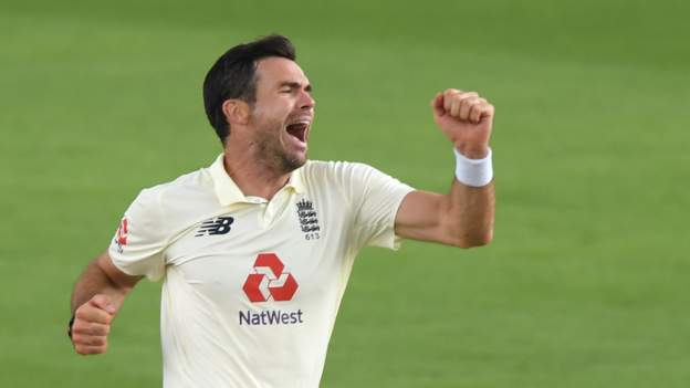 Bowlers put England on top against Pakistan