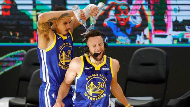 Curry sets Warriors scoring record