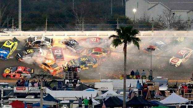 Daytona 500 crash