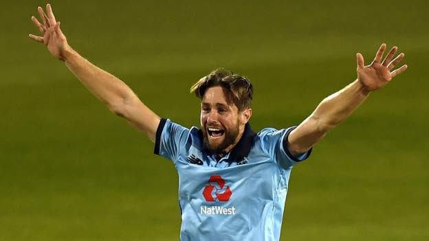 England v Australia: Chris Woakes says hosts 'can win from any position' thumbnail