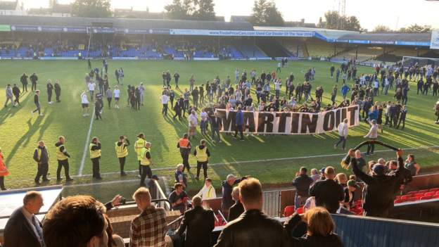 Southend United 0-4 Chesterfield: Southend sack Phil Brown after fans protest