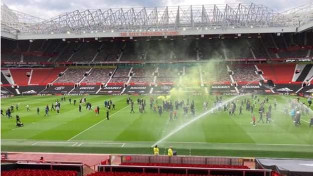 Pertandingan Manchester United v Liverpool ditunda setelah fan train thumbnail