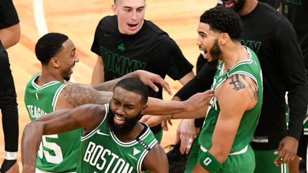 NBA 2021 sezonu: Boston Celtics Milwaukee Bucks'ı yendi, Miami Heat Orlando Magic'e kaybetti