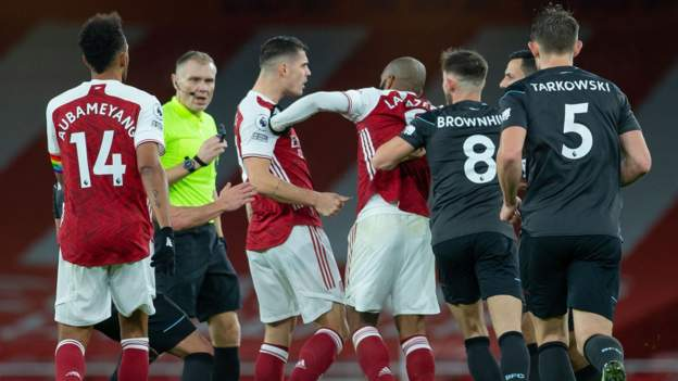 Kieran Tierney: Arsenal 'deserved' to be booed off after Burnley defeat -  BBC Sport