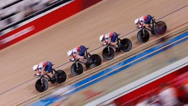 Tokyo Olympics: Great Britain women and men progress in team pursuit
