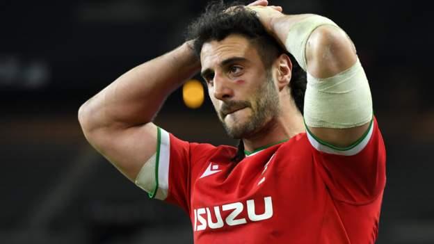 France 32-30 Wales: Wayne Pivac 'numb' after side let Grand Slam slip - BBC Sport