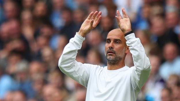 Manchester City: Pep Guardiola 'incredibly happy' with squad thumbnail