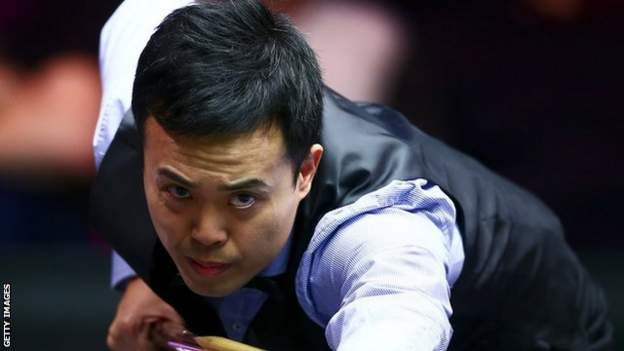 Marco Fu kept his nerve to win