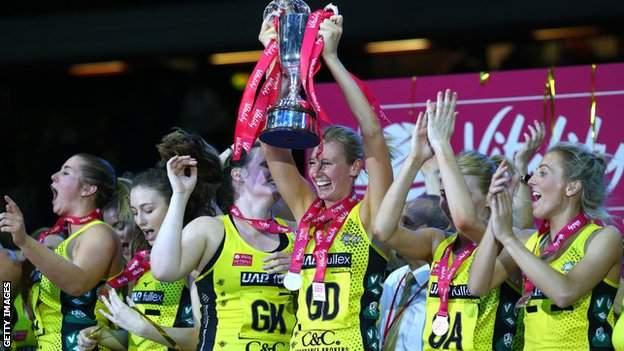 Manchester Thunder trophy lift