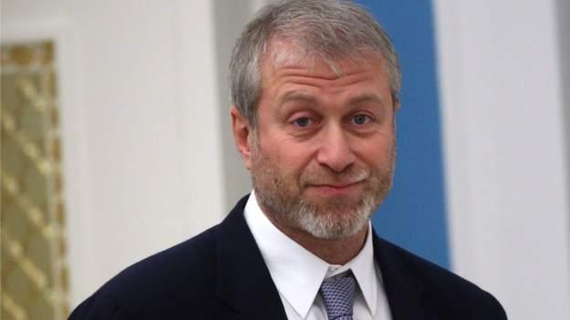 Roman Abramovich: Pemilik Chelsea 'tidak aman' oleh pelecehan rasis terhadap para pemain game thumbnail