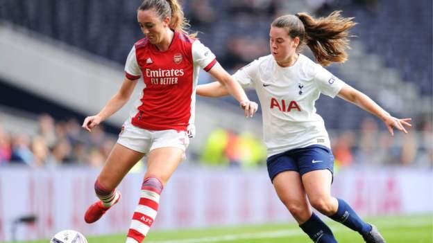 Piala FA Wanita: Pesaing 2020-21 kembali setelah empat bulan thumbnail