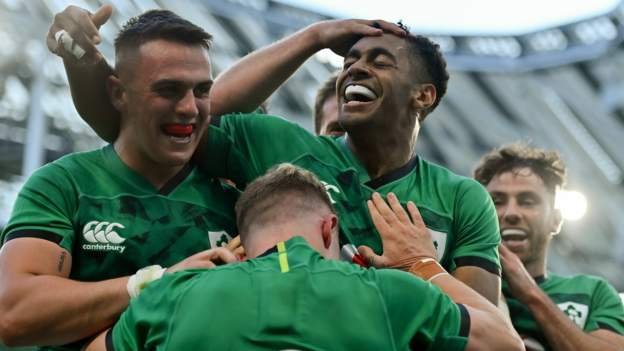 Irish youngsters shine in 10-try USA win