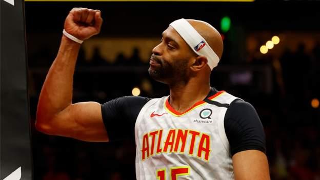 Carter retires from basketball thumbnail