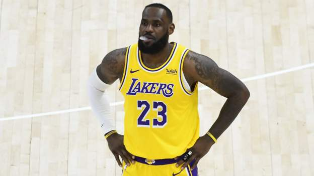 Lakers suffer fourth loss in a row