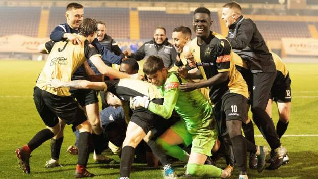 FA Cup second round: 40 teams, 14 non-league clubs, 13 live games on BBC - bbc