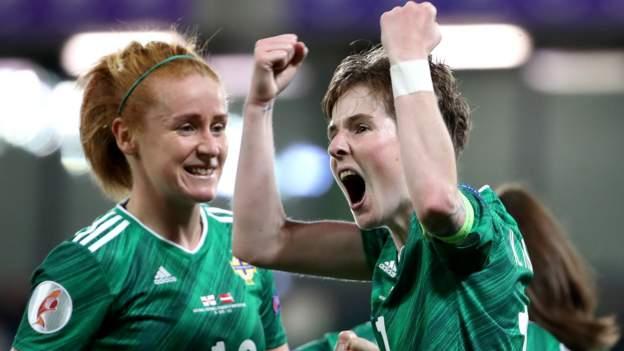 Kualifikasi Piala Global: Northern Eire mengalahkan Latvia di Windsor Park kembali thumbnail
