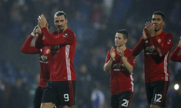 United applaud