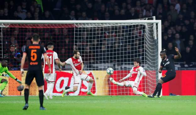 Chelsea's Michy Batshuayi scores their first goal