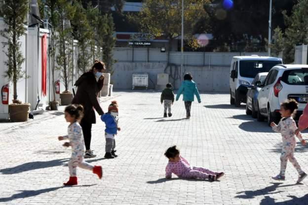 İzmir'deki depremin üzerinden bir ay geçti, konteyner kentte 443 kişi kalıyor