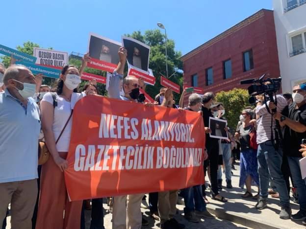 Basın emekçilerinden 'Basının nefesini kesemezsiniz' eylemi