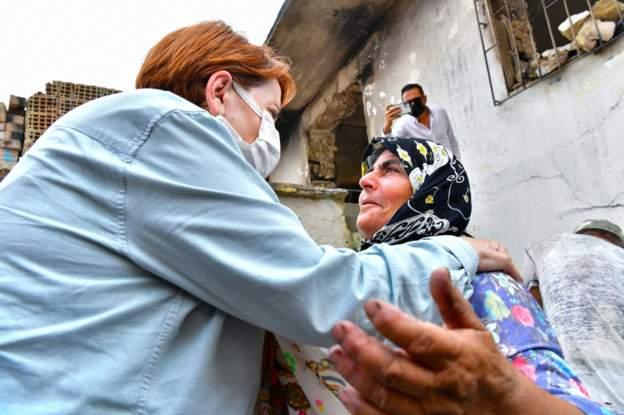 İYİ Parti Genel Başkanı Akşener, Manavgat'taki yangın bölgesini ziyaret etti