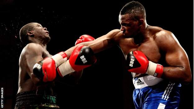 Dillian Whyte (right)