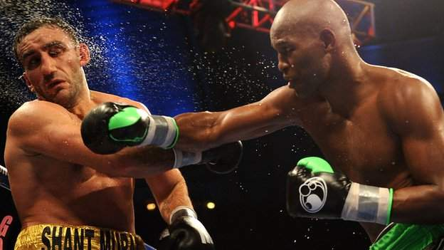 Bernard Hopkins punches Karo Murat