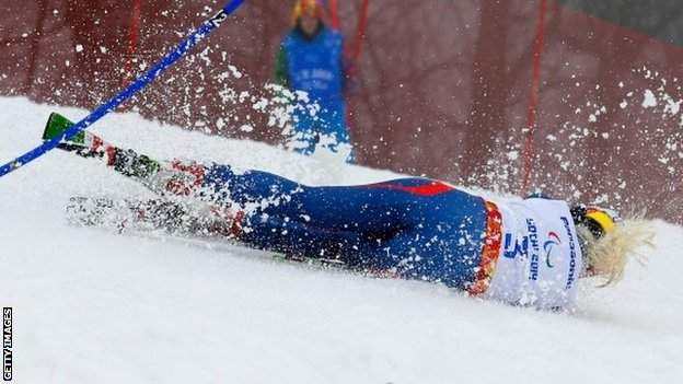 Kelly Gallagher takes a tumble