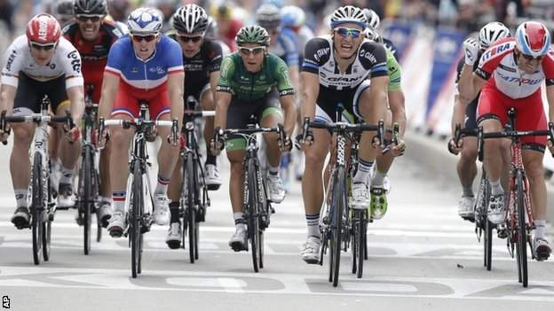 Marcel Kittel (second right) wins stage four, beating Katusha's Alexander Kristoff (right) on the line