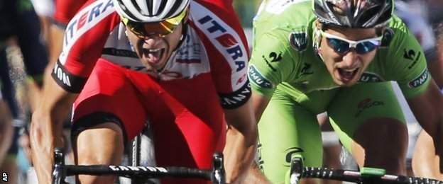 Katusha's Alexander Kristoff (left) beats Peter Sagan on stage 12