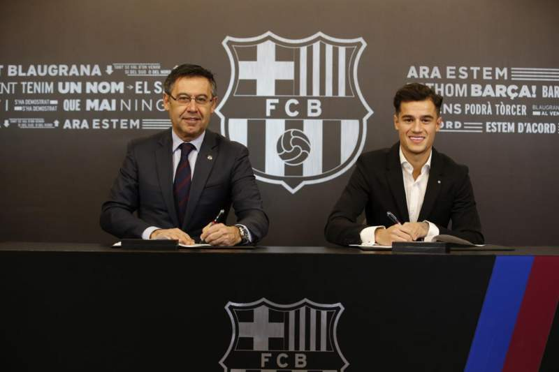 🖊 Done deal! @Phil_Coutinho 🔵🔴 #CoutinhoDay