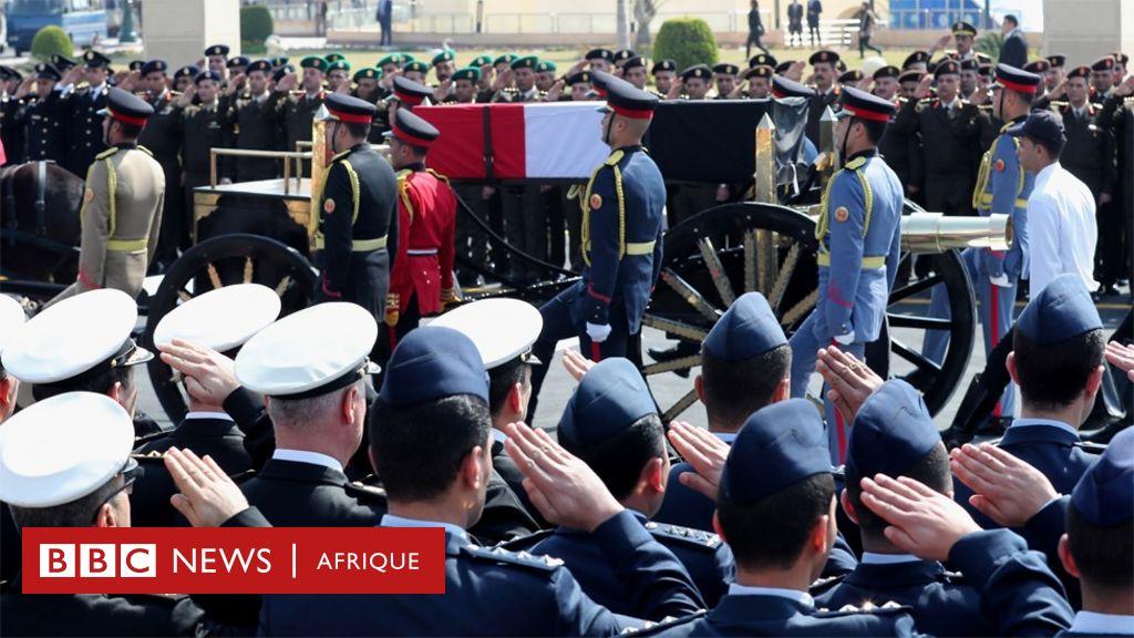 Des funérailles militaires pour Hosni Moubarak en Egypte