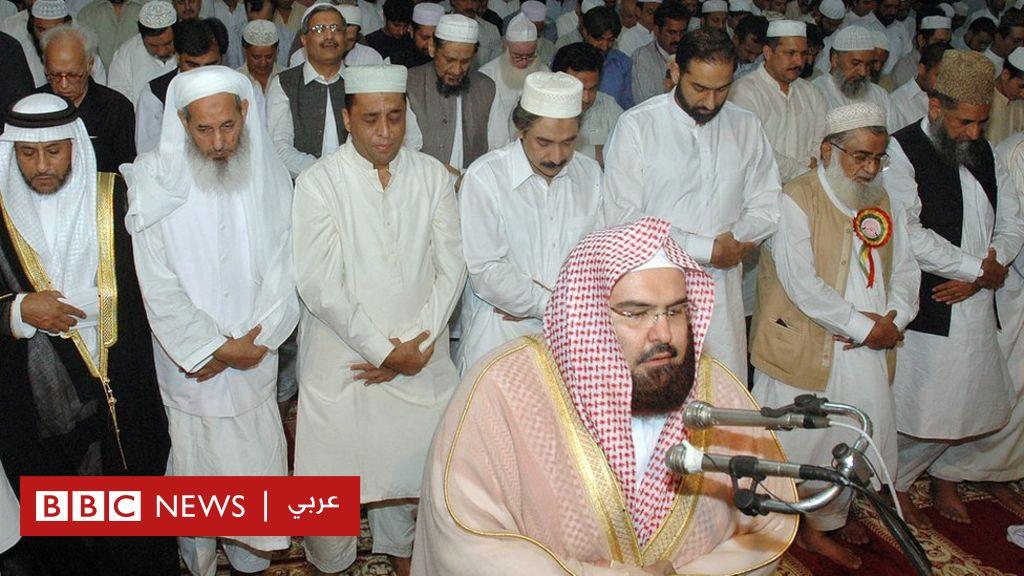 هل تمثل دعوة السديس زوار الحرم لإنجاح قمم مكة زجا بالدين في السياسة؟
