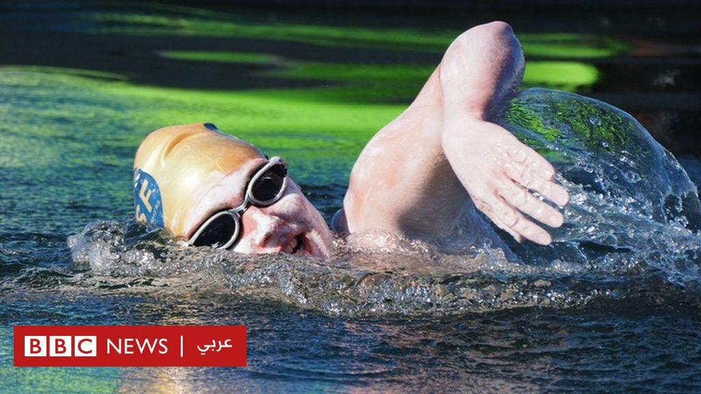 سبّاحة تسجل رقما قياسيا بعبور القنال الإنجليزي أربع مرات متصلة