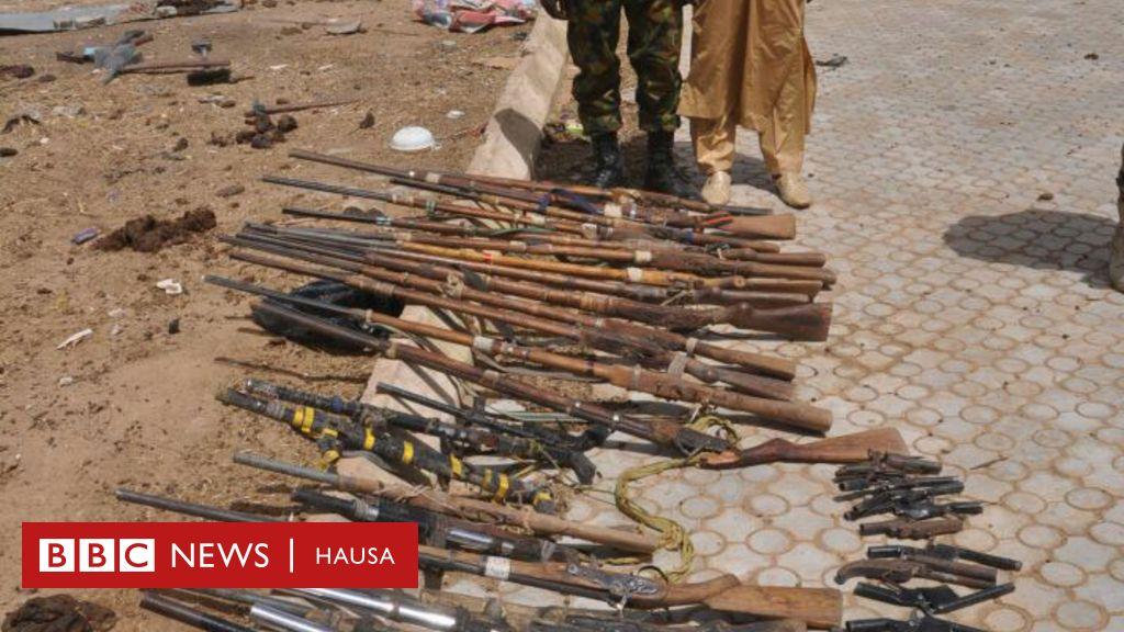 Barayin shanu na mika makamai a Zamfara - BBC News Hausa