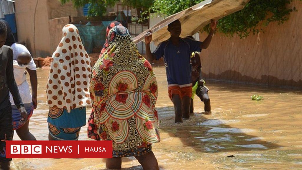 Hotunan barnar da ambaliyar ruwa ta yi a Nijar - BBC News Hausa