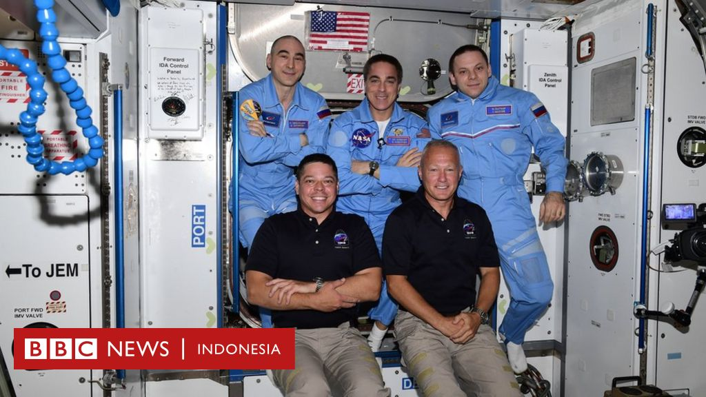 Dua astronot 'SpaceX' tiba di stasiun luar angkasa ISS, disambut dua kosmonot Rusia