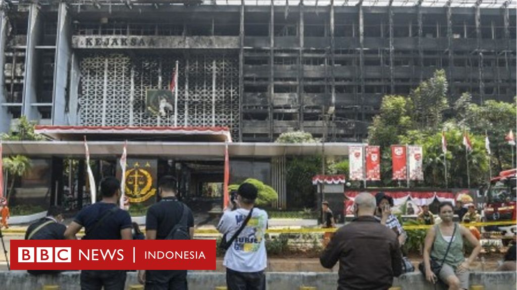 Gedung Kejaksaan Agung Terbakar Pakar Fire Safety Sebut 70 Kantor Pemerintahan Belum Penuhi Standar Keselamatan Bbc News Indonesia