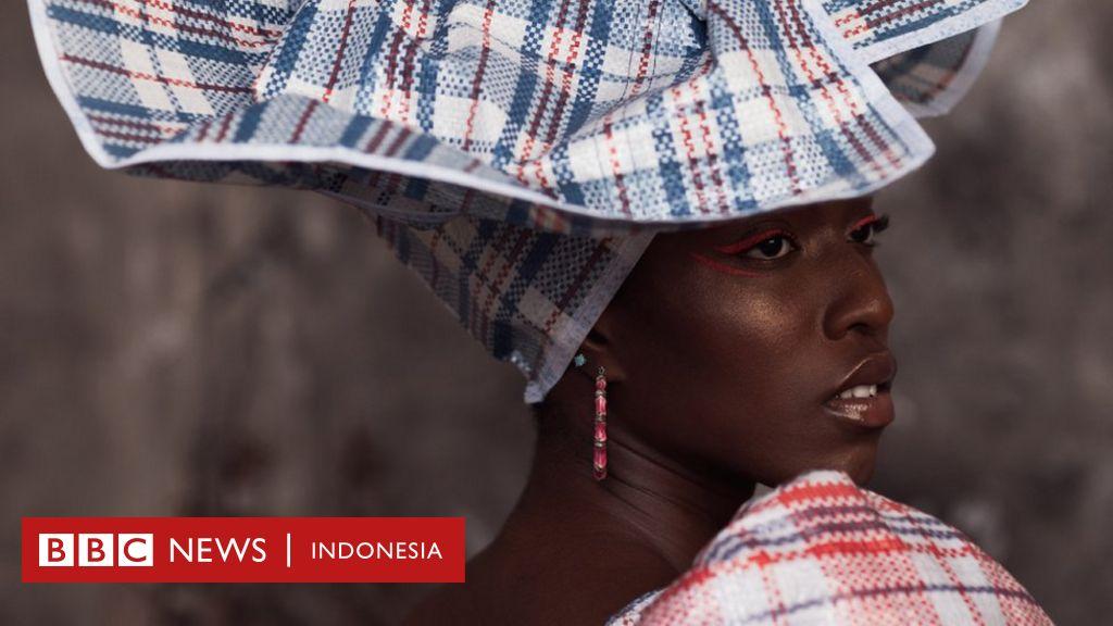 Mengubah kantong plastik dengan 'kenangan menyakitkan' jadi fesyen kelas atas - BBC News Indonesia