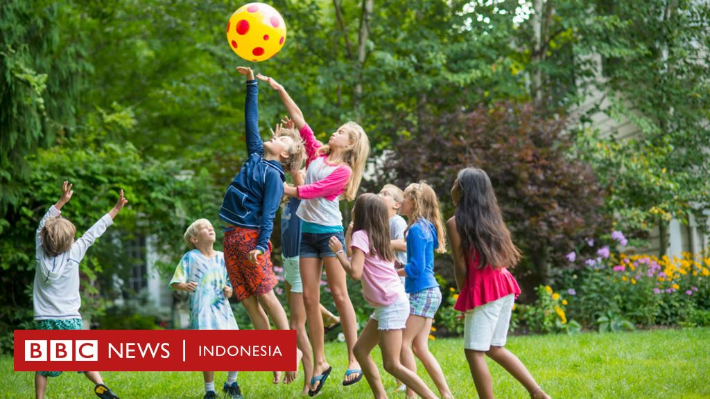 Virus Corona Bolehkah Kita Membiarkan Anak Bermain Dengan Teman Temannya Di Saat Pandemi Bbc News Indonesia
