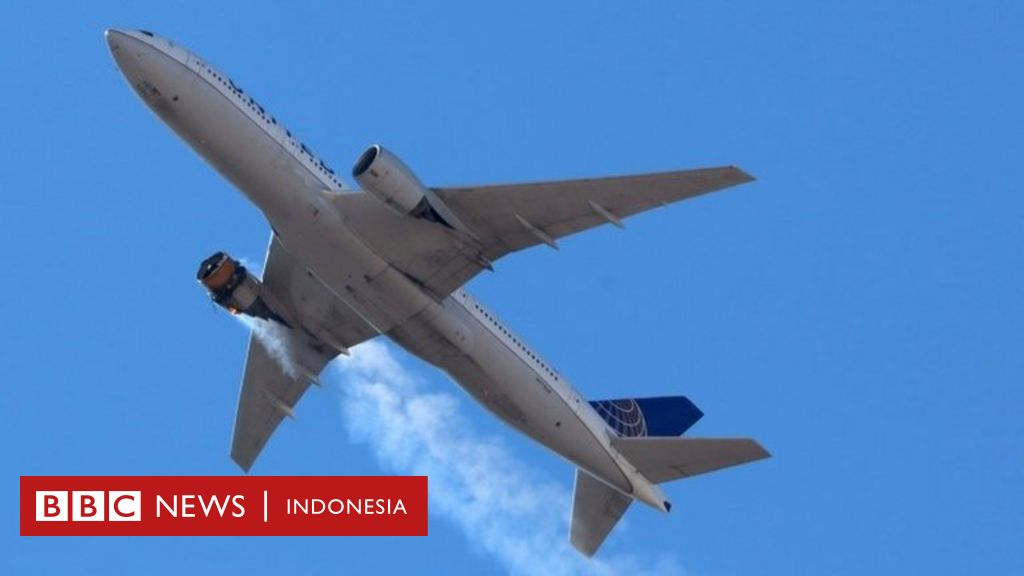 Salah satu mesin mati saat pesawat lepas landas, puing-puing berjatuhan di permukiman Denver Indonesia