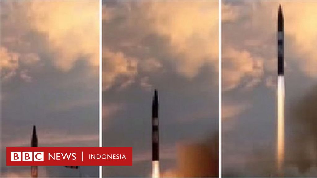 Iran uji coba rudal jarak menengah setelah dicemooh Trump - BBC ... BBC1024 × 576Search by image Iran uji coba rudal jarak menengah setelah dicemooh Trump - BBC Indonesia