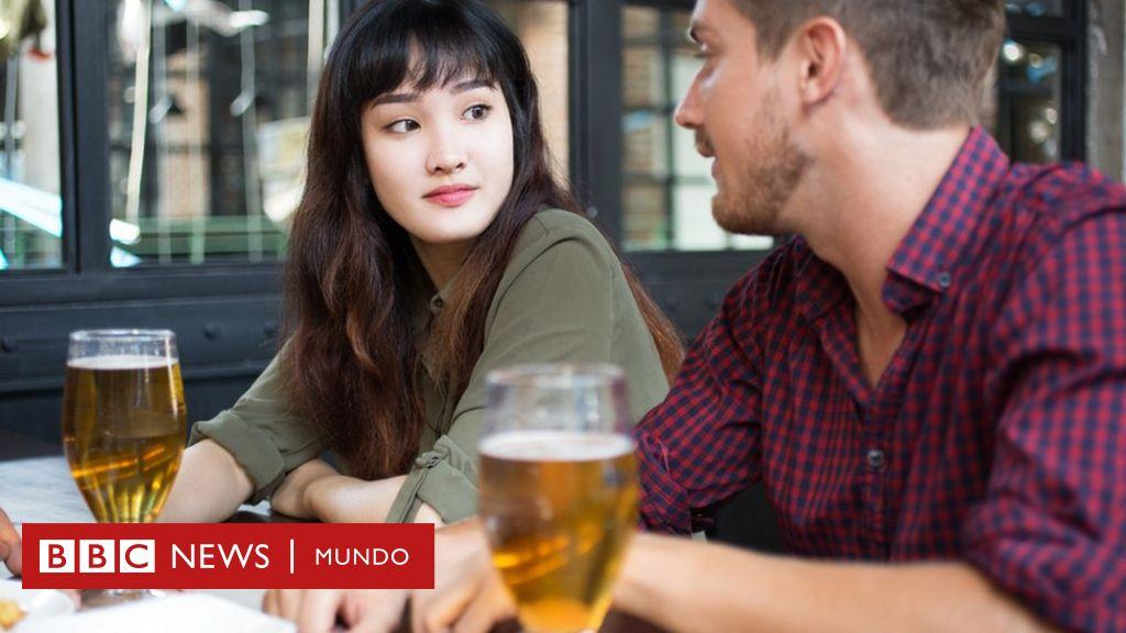 El estudio que desmonta la teoría de que beber de forma moderada es saludable