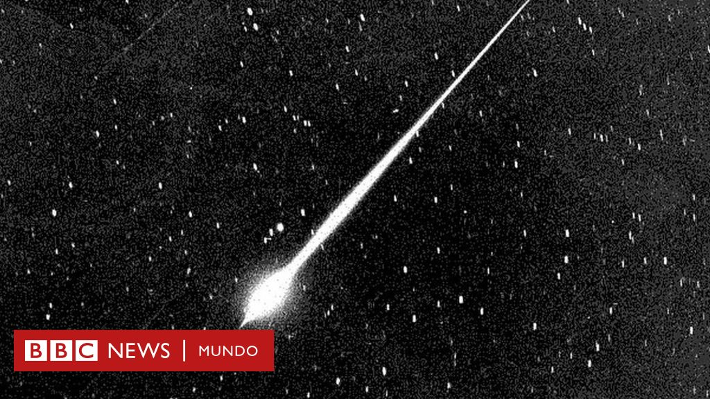Eta Aquarids: Halley's Comet's stunning meteor shower hitting its peak this week thumbnail