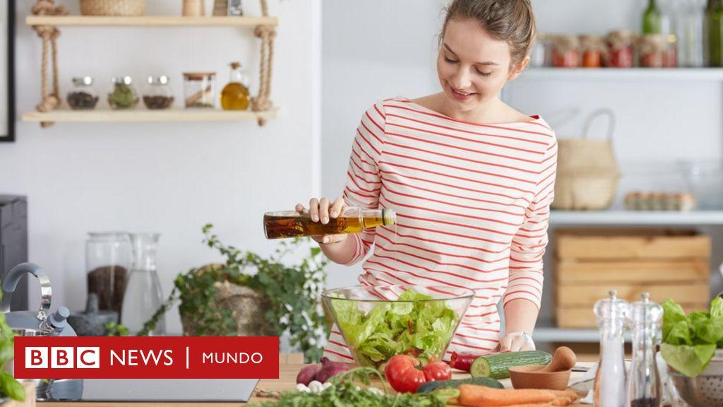 una dieta baja en carbohidratos promueve la pérdida de peso cuando