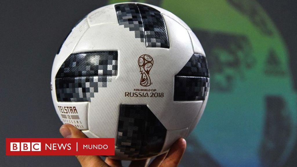 b3f012688d298 Telstar 18  cómo es la innovadora pelota del Mundial de Rusia 2018 y en qué  se diferencia de los modelos anteriores como Brazuca y Jabulani - BBC News  Mundo