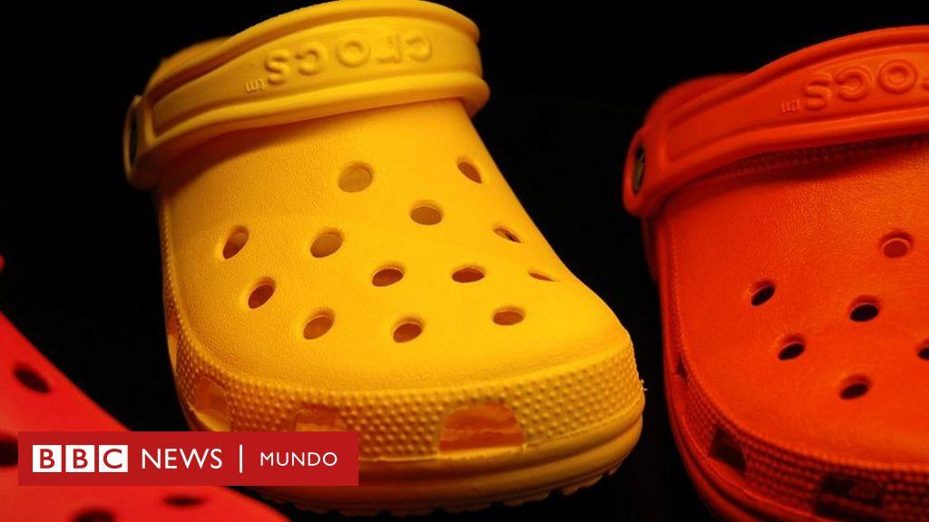 9b6c614415a ¿Te parecen feas las sandalias Crocs  Ese es exactamente el secreto de su  éxito - BBC News Mundo