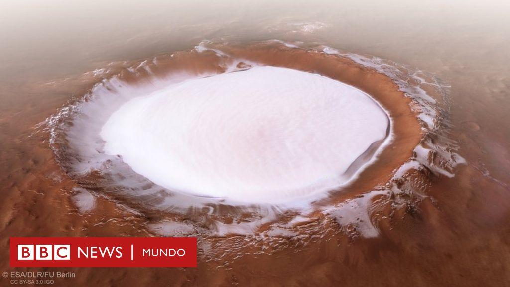 Marte: las fascinantes imágenes de un cráter de hielo en el Planeta Rojo