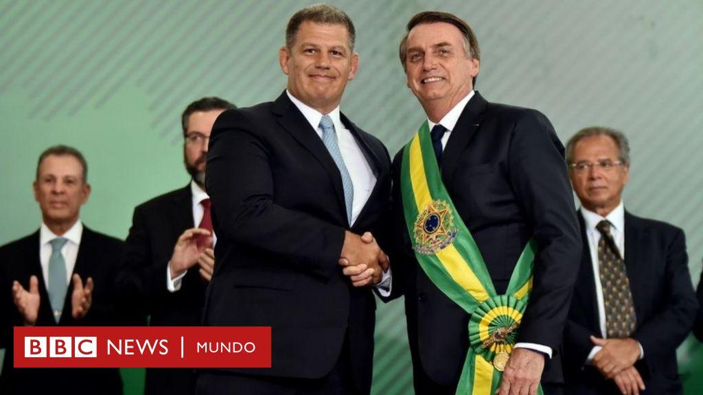 Bolsonaro En Brasil El Primer Escandalo De Corrupcion Del Gobierno Acaba Con Un Ministro Despedido Y Otro General En El Ejecutivo Bbc News Mundo